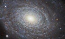 Hubble produz imagem impressionante de galáxia espiral