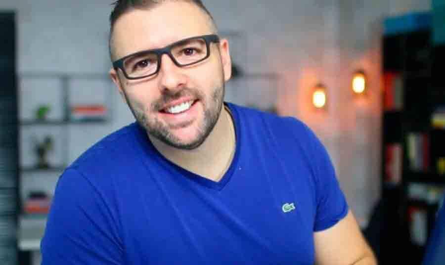 De estagiário a milionário da internet: conheça a trajetória do empreendedor digital Alex Vargas