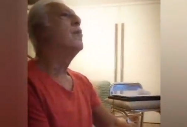 Esposa grava vídeo de Antônio Fagundes jogando The Last of Us Part 2