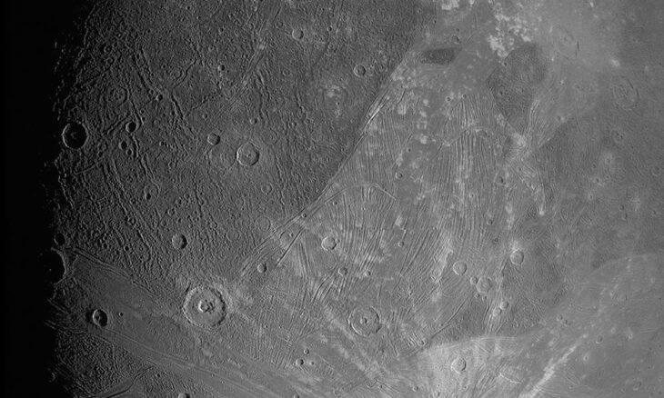Sonda Juno envia novas imagens de Ganimedes, a maior lua de Júpiter