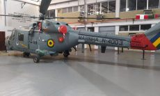 Marinha do Brasil recebe 4º helicóptero Super Lynx modernizado