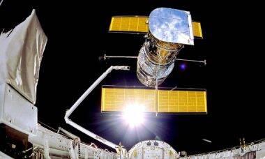 """Cientistas começam a """"reinicializar"""" telescópio Hubble nesta quinta-feira (15)"""
