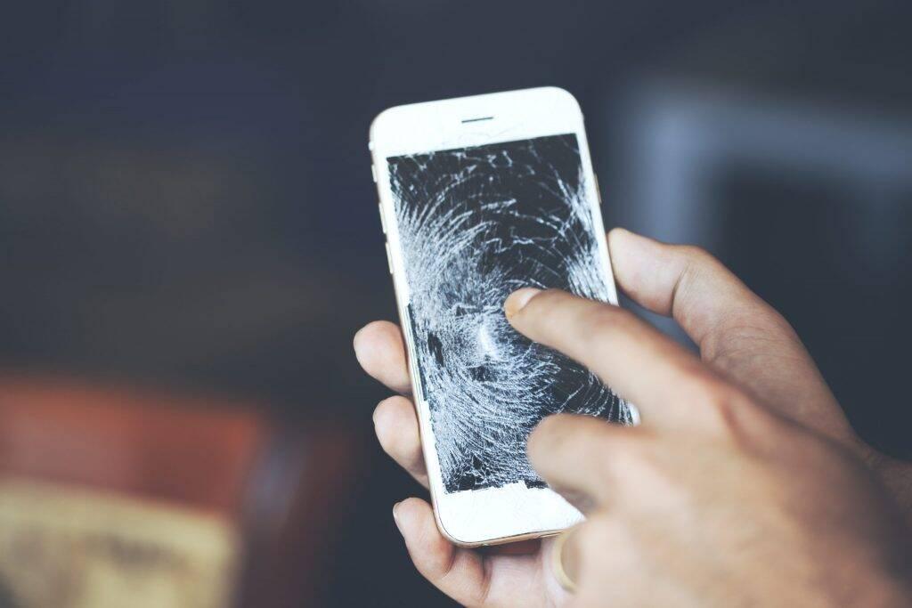Cientistas indianos criam tela de celular capaz de se regenerar sozinha