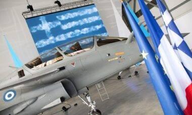 Força Aérea da Grécia recebe 1º Dassault Rafale apenas 6 meses após assinar contrato