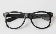 Mark Zuckerberg revela que Facebook irá lançar óculos inteligentes