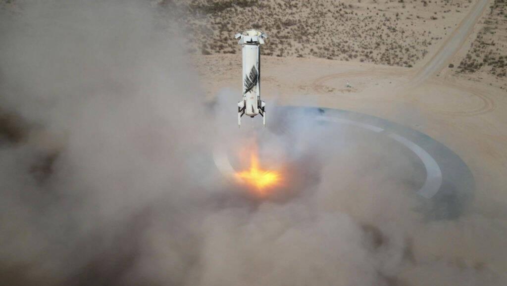 Blue Origin completa 1º voo tripulado com Jeff Bezos