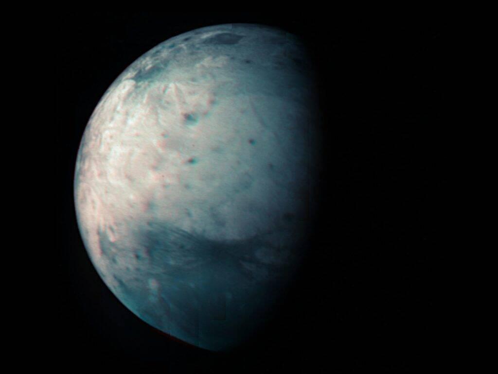 Sonda Juno completa 10 anos de missão com foto da maior lua de Júpiter