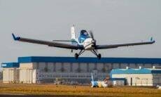 Avião elétrico da Embraer inicia testes de voo