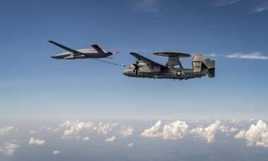 Marinha dos EUA completa missão de reabastecimento aéreo usando drone