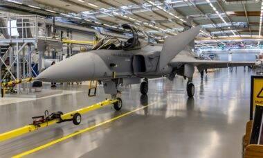 Saab produz primeiro Gripen de série para a FAB