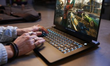 Dell lança notebook gamer Alienware M15 com fabricação local