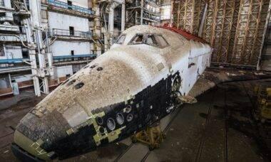 Empresário quer trocar ônibus espacial russo por crânio humano; entenda